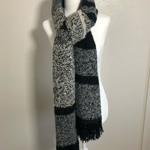 H&M Blanket Scarf Black and Gray Color - NEW
